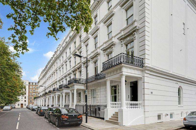 House for sale in St. Stephens Gardens, London