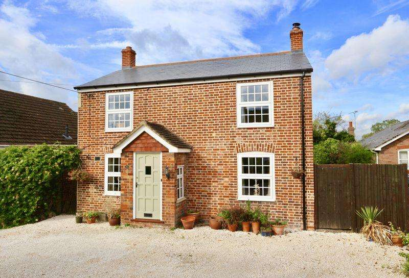 4 Bedrooms Detached House for sale in Moor End, Eaton Bray