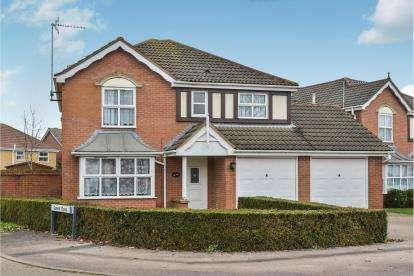4 Bedrooms Detached House for sale in Nightingale Crescent, Bradville, Milton Keynes, Bucks