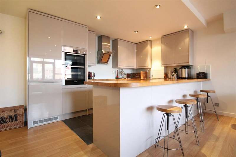 3 Bedrooms Apartment Flat for sale in Upper College Street, Nottingham