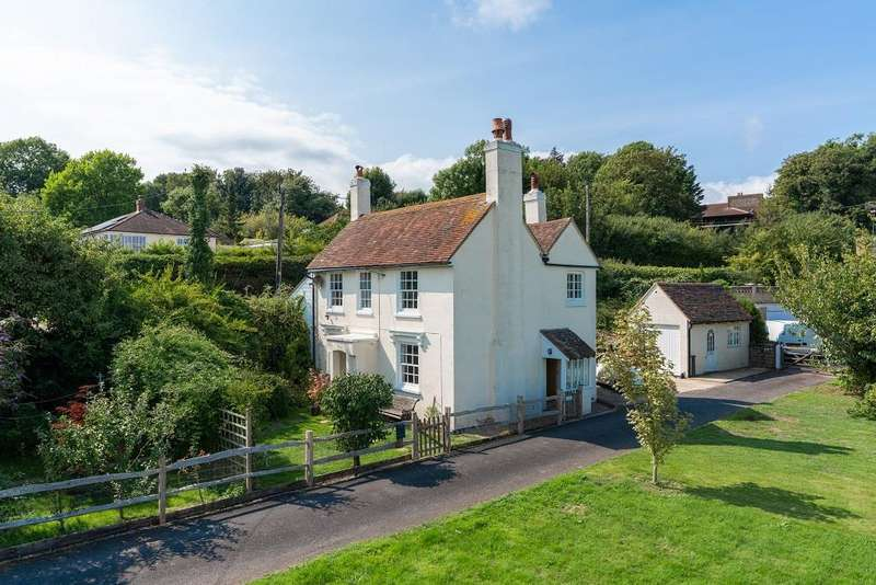 3 Bedrooms Detached House for sale in Lewes Road, Piddinghoe