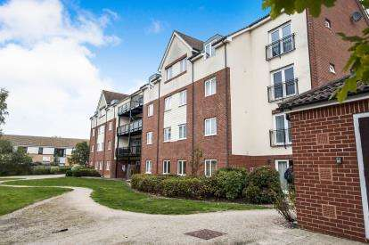 2 Bedrooms Flat for sale in Hollybrook Park, Kingswood, Bristol, South Gloucestershire