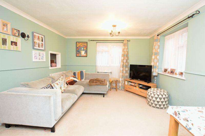 1 Bedroom Maisonette Flat for sale in Rochfords Gardens, Slough
