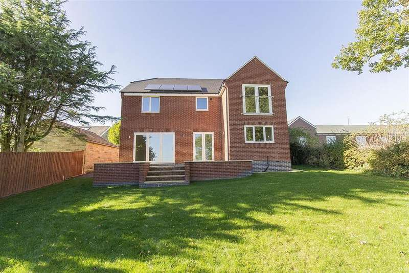 4 Bedrooms Detached House for sale in Main Road, Stretton, Alfreton