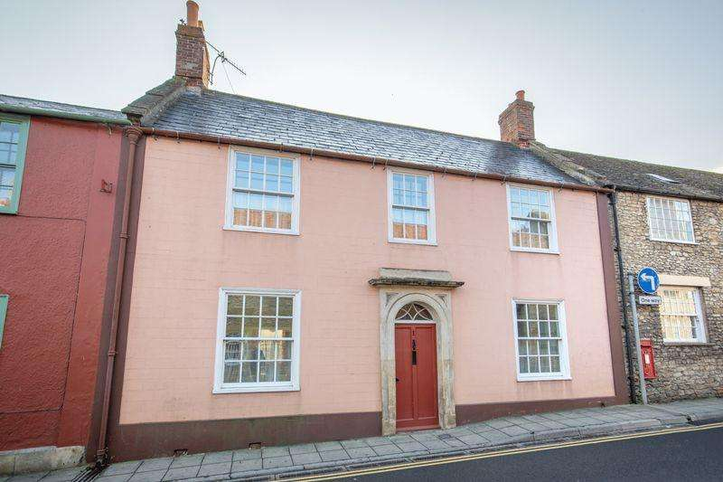 5 Bedrooms Town House for sale in Quaperlake Street, Bruton