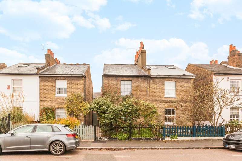 3 Bedrooms Semi Detached House for sale in Archbishops Place, Brixton Hill, SW2