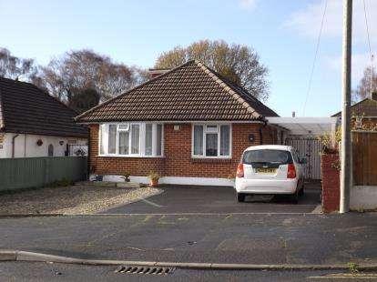 3 Bedrooms Bungalow for sale in Wallisdown, Poole, Dorset