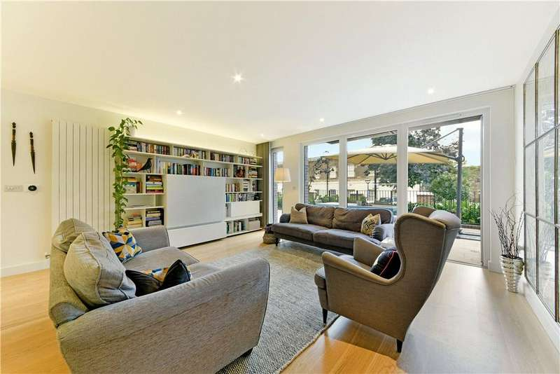 3 Bedrooms Flat for sale in Imperial Building, 2 Duke of Wellington Avenue, London, SE18