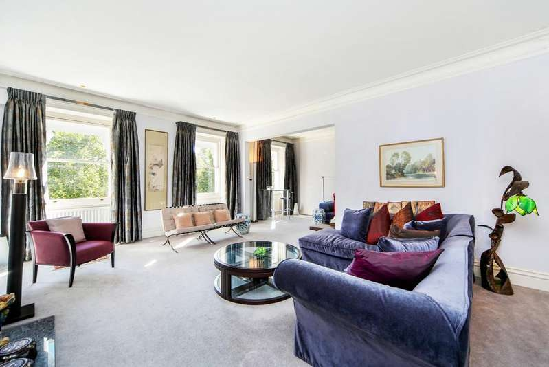 4 Bedrooms Flat for sale in Cadogan Square, London. SW1X