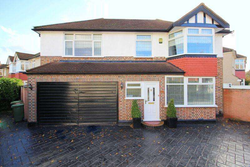 4 Bedrooms Detached House for sale in Dulverton Road, New Eltham, SE9 3RJ