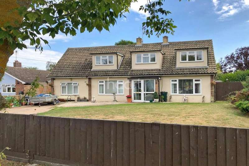 5 Bedrooms Detached House for sale in Stones Green, Essex
