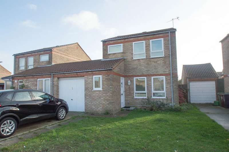 3 Bedrooms Detached House for sale in Wade Close, Eastbourne