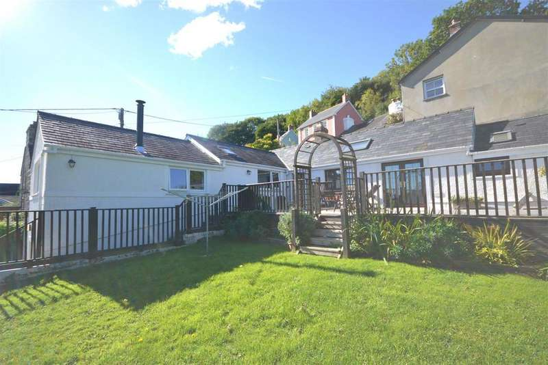 3 Bedrooms Detached House for sale in St Dogmaels