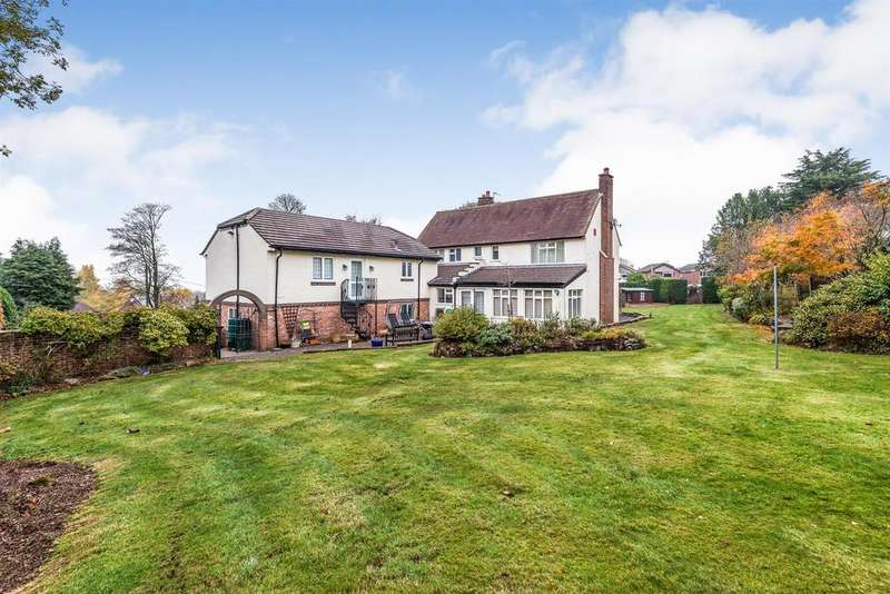 4 Bedrooms Detached House for sale in Westwood Park Drive, Leek