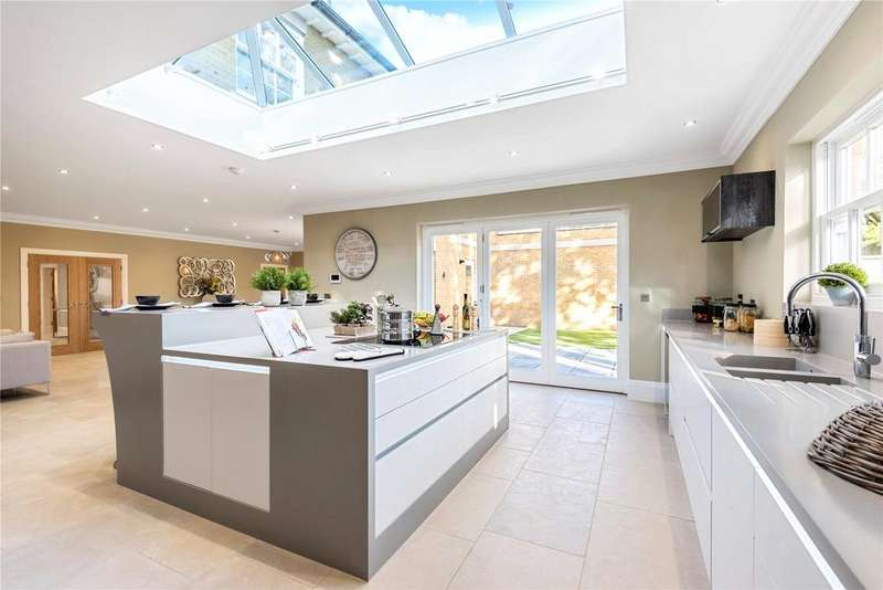 5 Bedrooms Detached House for sale in East Lodge, 56 Chilbolton Avenue, Winchester, Hampshire, SO22