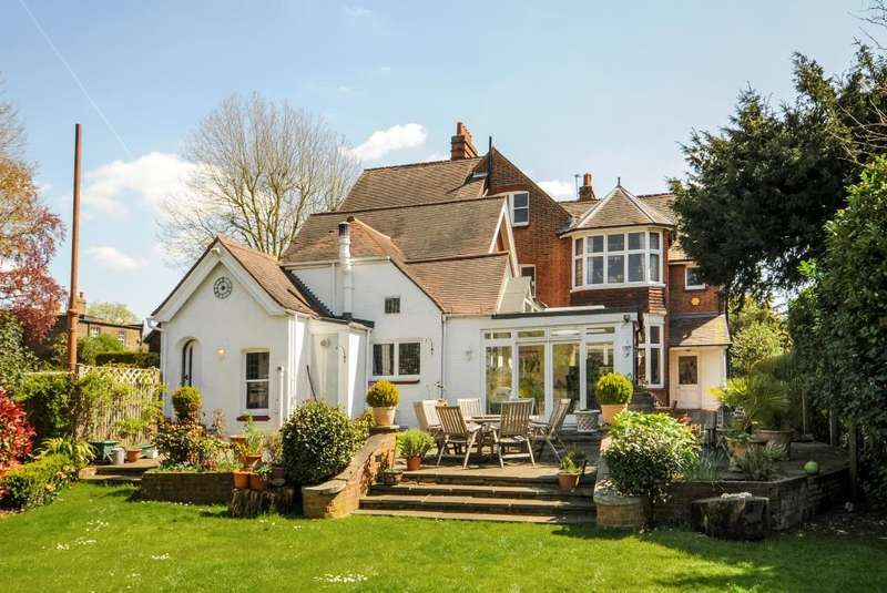 7 Bedrooms Detached House for sale in Hendon Avenue, Finchley N3, N3