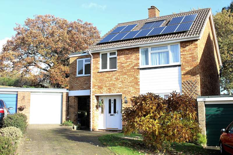 4 Bedrooms Detached House for sale in Pinecroft, Marlow