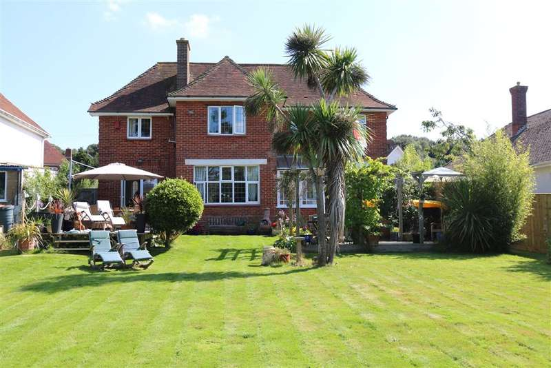 3 Bedrooms Detached House for sale in The Fairway, , Lake, Isle of Wight