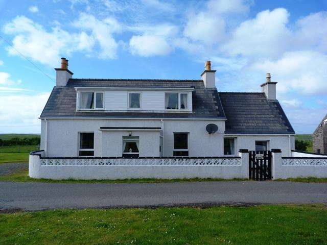 3 Bedrooms Detached House for sale in 15 Swainbost, Ness, Isle of Lewis HS2