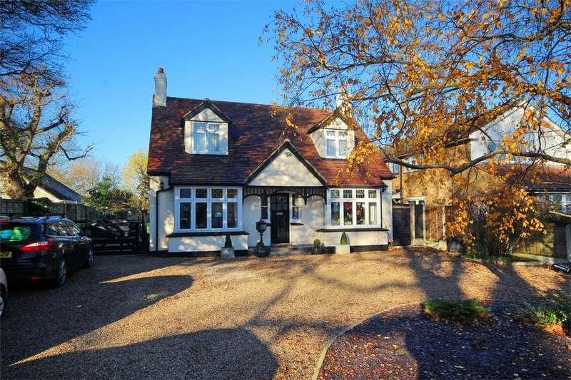 4 Bedrooms Detached House for sale in Norsey Road, BILLERICAY, Essex