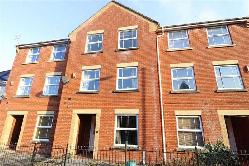 4 Bedrooms Terraced House for sale in Rochester Avenue, Chorlton, Manchester, M21