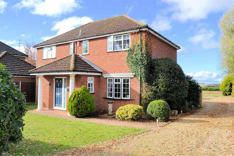 4 Bedrooms Detached House for sale in Nursery Lane, South Wootton, King's Lynn