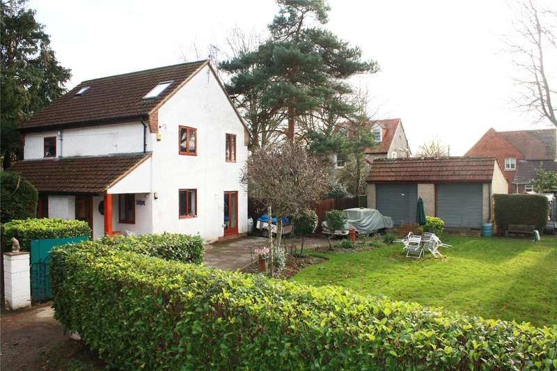 4 Bedrooms Detached House for sale in Old Road, Romsey, Hampshire, SO51