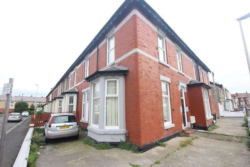 5 Bedrooms Property for sale in Braithwaite Street, Blackpool, Blackpool, FY1 2HS