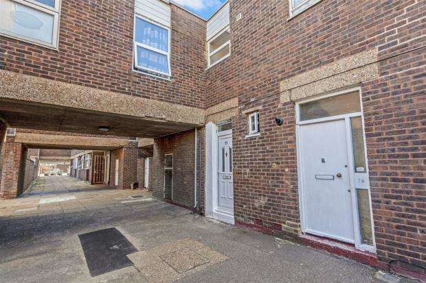 1 Bedroom Apartment Flat for sale in Church Vale, London