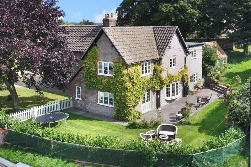 5 Bedrooms Detached House for sale in Corsley, Warminster