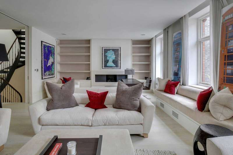 4 Bedrooms Mews House for sale in Adam`s Row, Mayfair W1