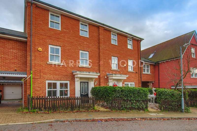 4 Bedrooms Town House for sale in Rouse Way, Colchester, CO1