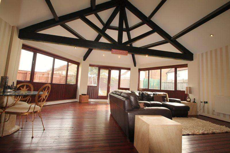 4 Bedrooms Detached House for sale in Farmside Mews, Marton