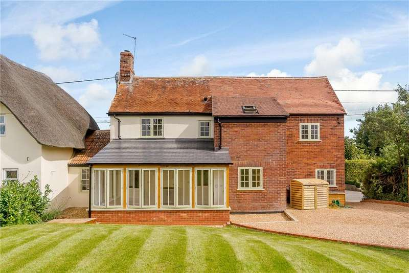 3 Bedrooms House for sale in Wilsford, Pewsey, Wiltshire, SN9