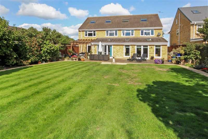 5 Bedrooms Detached House for sale in Windsor Road, Lawn, Swindon