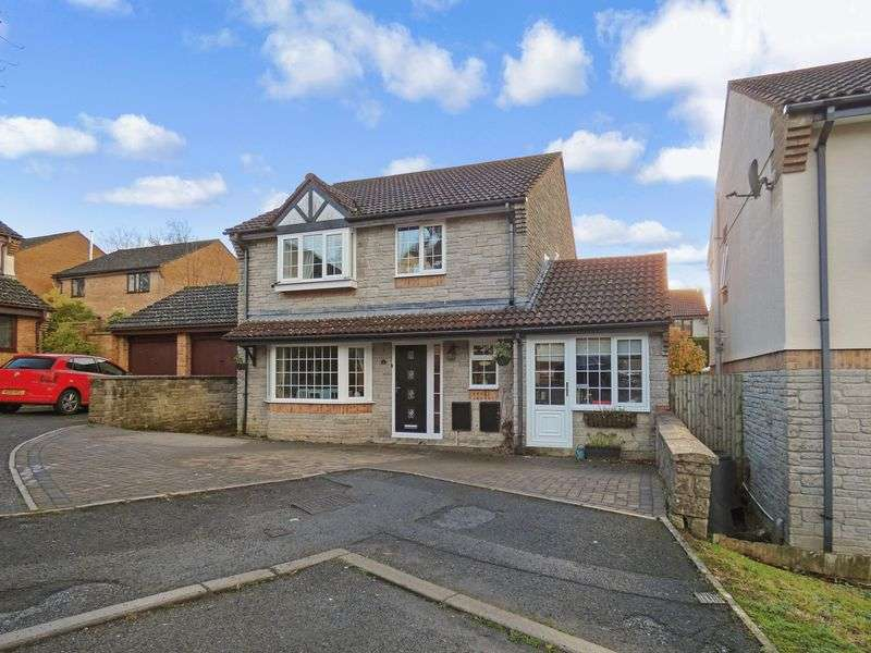 4 Bedrooms Property for sale in Hazel Close, Newton Abbot