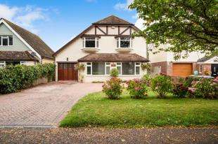 4 Bedrooms Detached House for sale in Roundle Square, Felpham, Bognor Regis, West Sussex