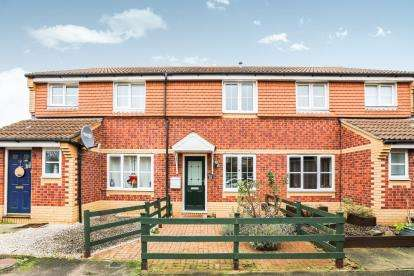 2 Bedrooms Terraced House for sale in Weavers Green, Sandy, Bedfordshire