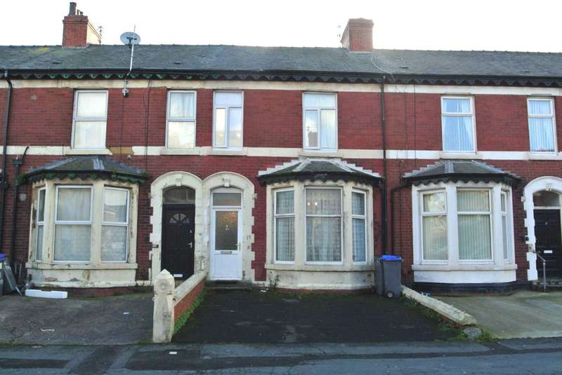 5 Bedrooms Terraced House for sale in Clifford Road, Blackpool, FY1 2PU