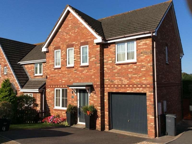 4 Bedrooms Detached House for sale in Brecon Close, Paignton, Devon, TQ4