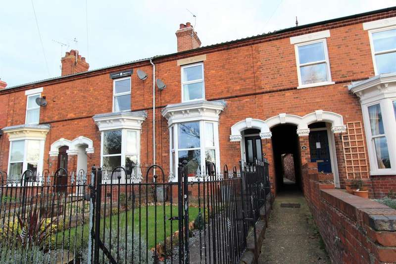 4 Bedrooms Terraced House for sale in Victoria Road, Louth, LN11 0BX