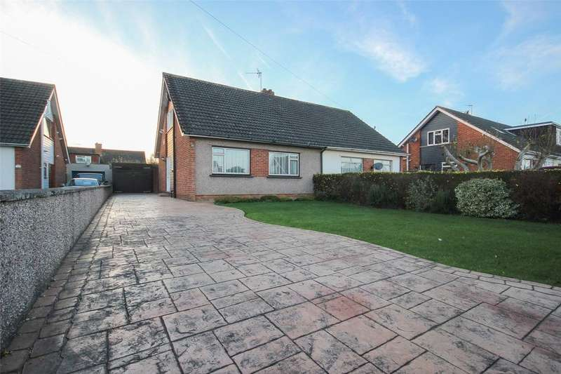 3 Bedrooms Bungalow for sale in Bourton Close, Stoke Lodge, Bristol, BS34