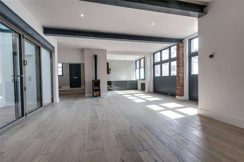 3 Bedrooms End Of Terrace House for sale in Brunswick Street East, Hove, East Sussex, BN3