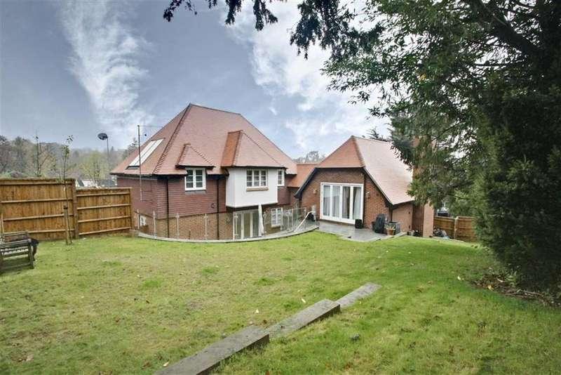 5 Bedrooms Detached House for sale in Ashlyns Road, Berkhamsted