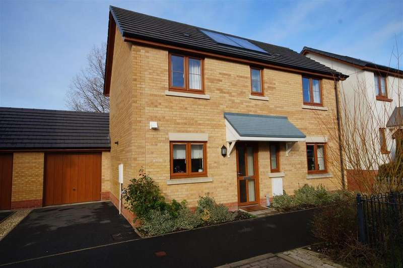 3 Bedrooms Detached House for sale in Jubilee Close, Torrington