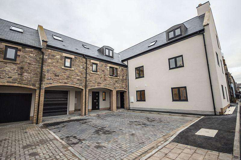 3 Bedrooms Terraced House for sale in Rothley House, Thorburn's Yard, South Street, Seahouses