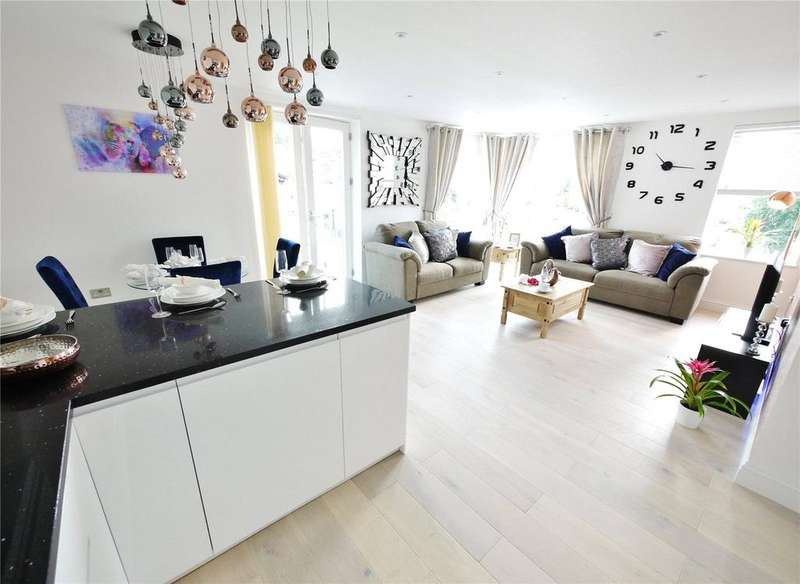 2 Bedrooms Apartment Flat for sale in Ongar Road, Brentwood, Essex, CM15