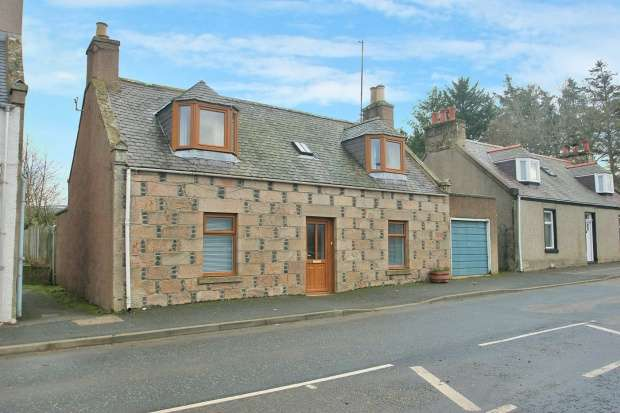 3 Bedrooms Detached House for sale in Main Street, Huntly, Aberdeenshire, AB54 4JN