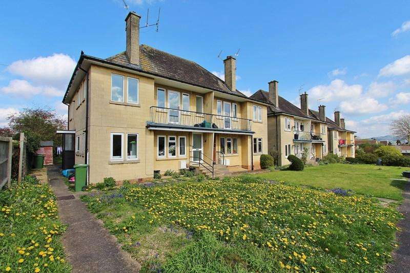 2 Bedrooms Flat for sale in Mayfields, Keynsham, Bristol