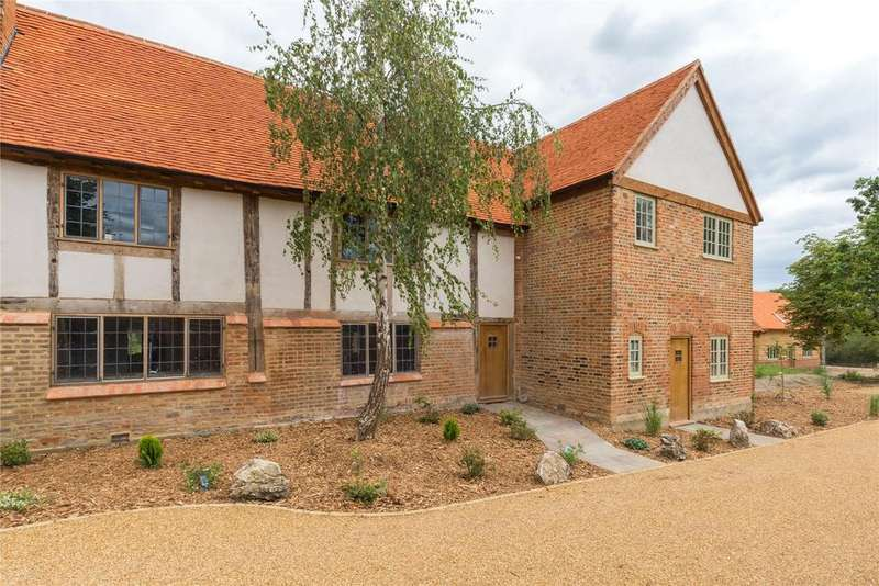 4 Bedrooms Terraced House for sale in Denham Lane, Chalfont St. Peter, Gerrards Cross, Buckinghamshire
